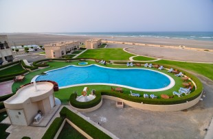 Oman_MasirahIslandResort_Pool