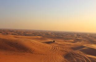 Dubai Desert Sunset - Unsplash
