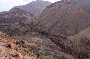 Oman_HajarMountains_WadiBaniAwf3